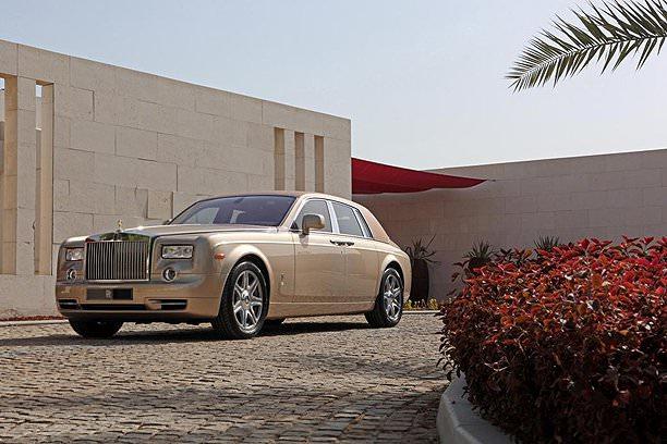 Rolls Royce a lansat două modele speciale pentru Orientul Mijlociu
