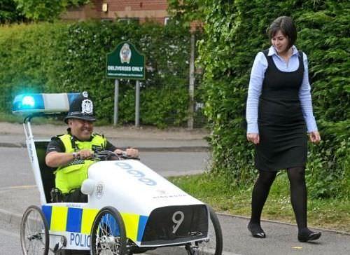 Cea mai tare maşină de poliţie din Lume!