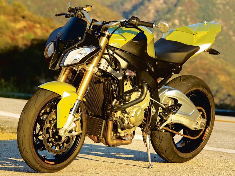 """BMW S1000 RR """"dezbrăcat"""""""