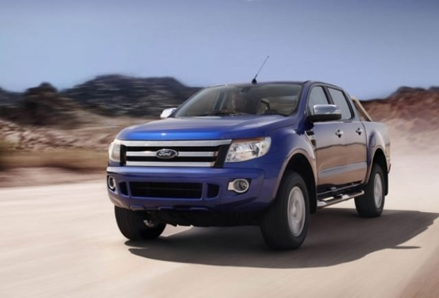 VIDEO. Ford Ranger vs. o locomotivă cu aburi