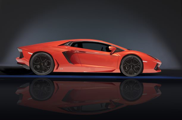 Geneva 2011. Lamborghini Aventador – Video!