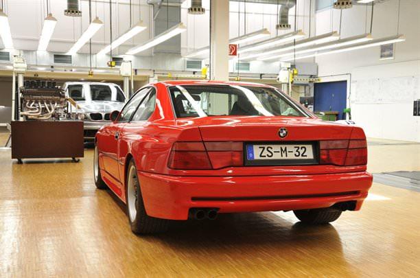 BMW M8 şi blestemul V12!