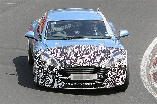 "Aston Martin Rapide, dă ""BAC-ul"" la Nurburgring!"