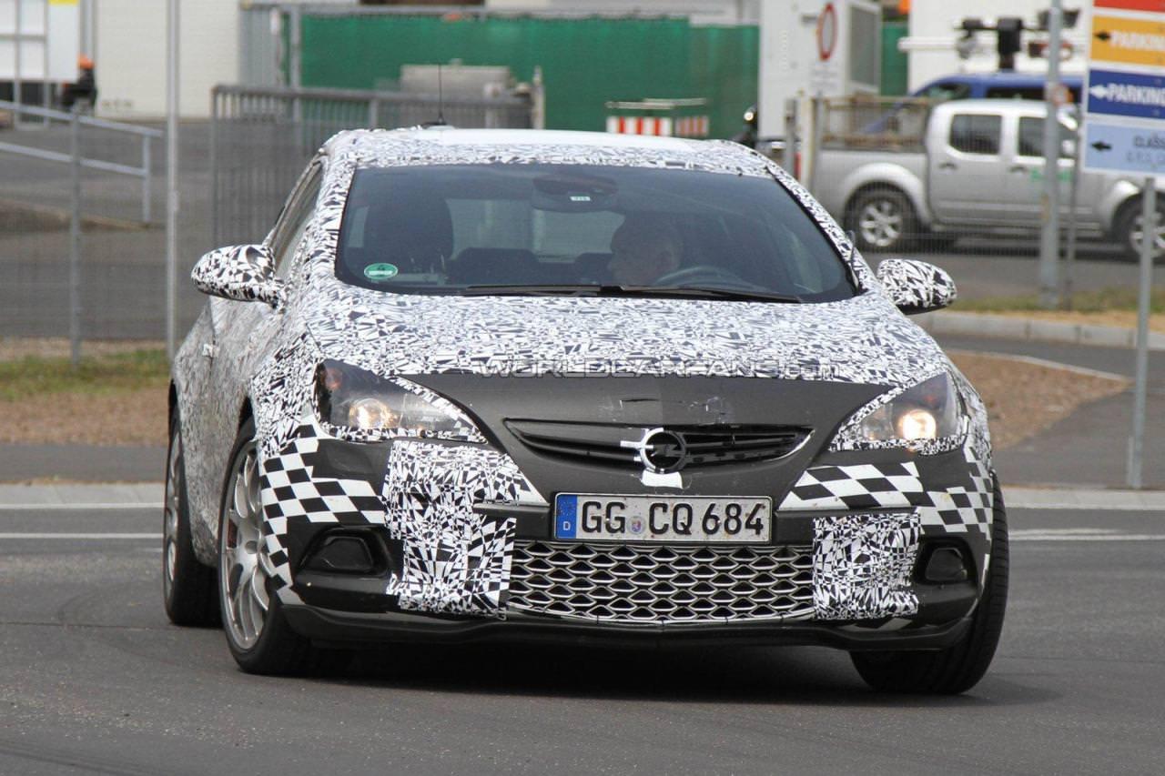 Opel Astra OPC – poze spion!