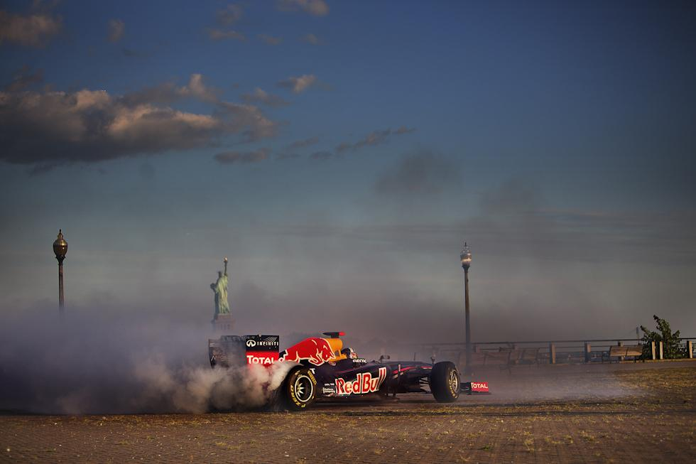 Echipa de Formula 1 Red Bull Racing a ajuns in America