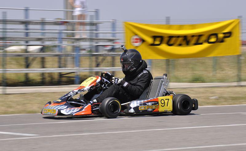 Claudiu David şi Dan Spuderka pe pista de karting de la Tunari