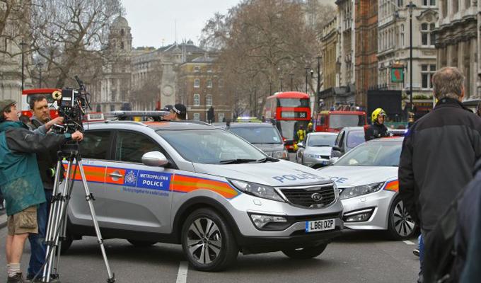 Noul film James Bond – Skyfall: imagini cu masini de politie Kia