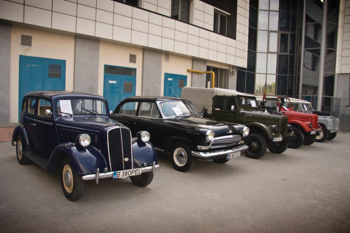 Opel Super Six 1938, fostă maşină de Poliţie, la Ziua Naţională a Permisului de Conducere