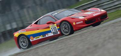 Marcel Butuza prezinta joi Ferrari-ul cu care ia startul in Marele Premiu al Orasului Brasov