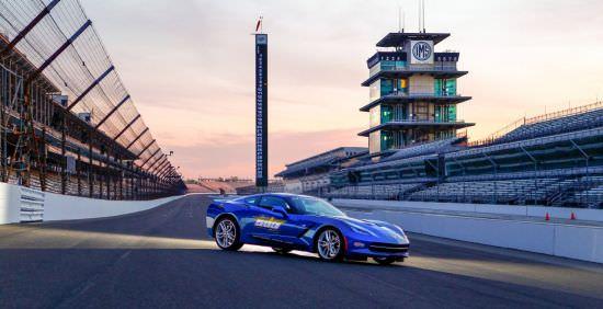 Modelul Corvette Stingray 2014, autovehiculul de siguranţă în cadrul cursei Indianapolis 500