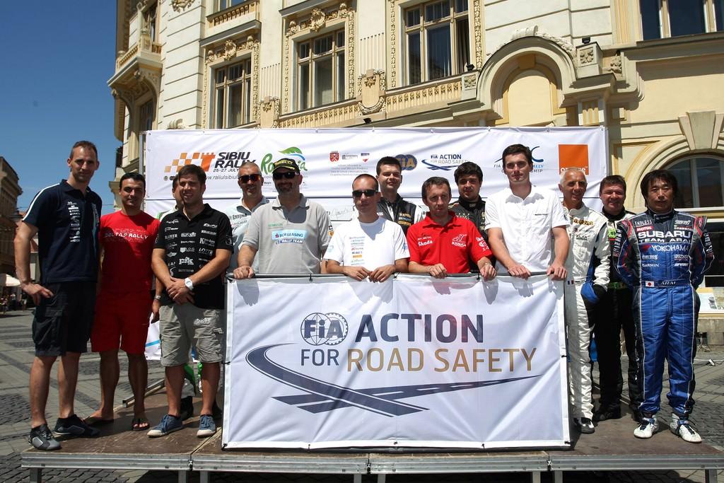 Pilotii participanti la Raliul Sibiului au sustinut campania FIA pentru siguranta rutiera