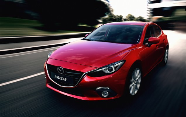 8 Mazda3 la startul unui drive test care sfideaza conventionalul