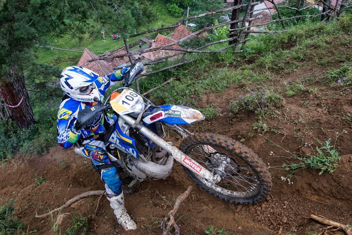 Prima stafeta bicicleta&motocicleta din Romania este in acest weekend la Dirt Fest