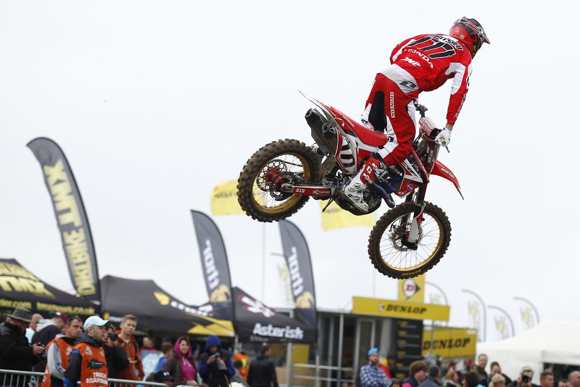Dunlop, un weekend incins in motocross