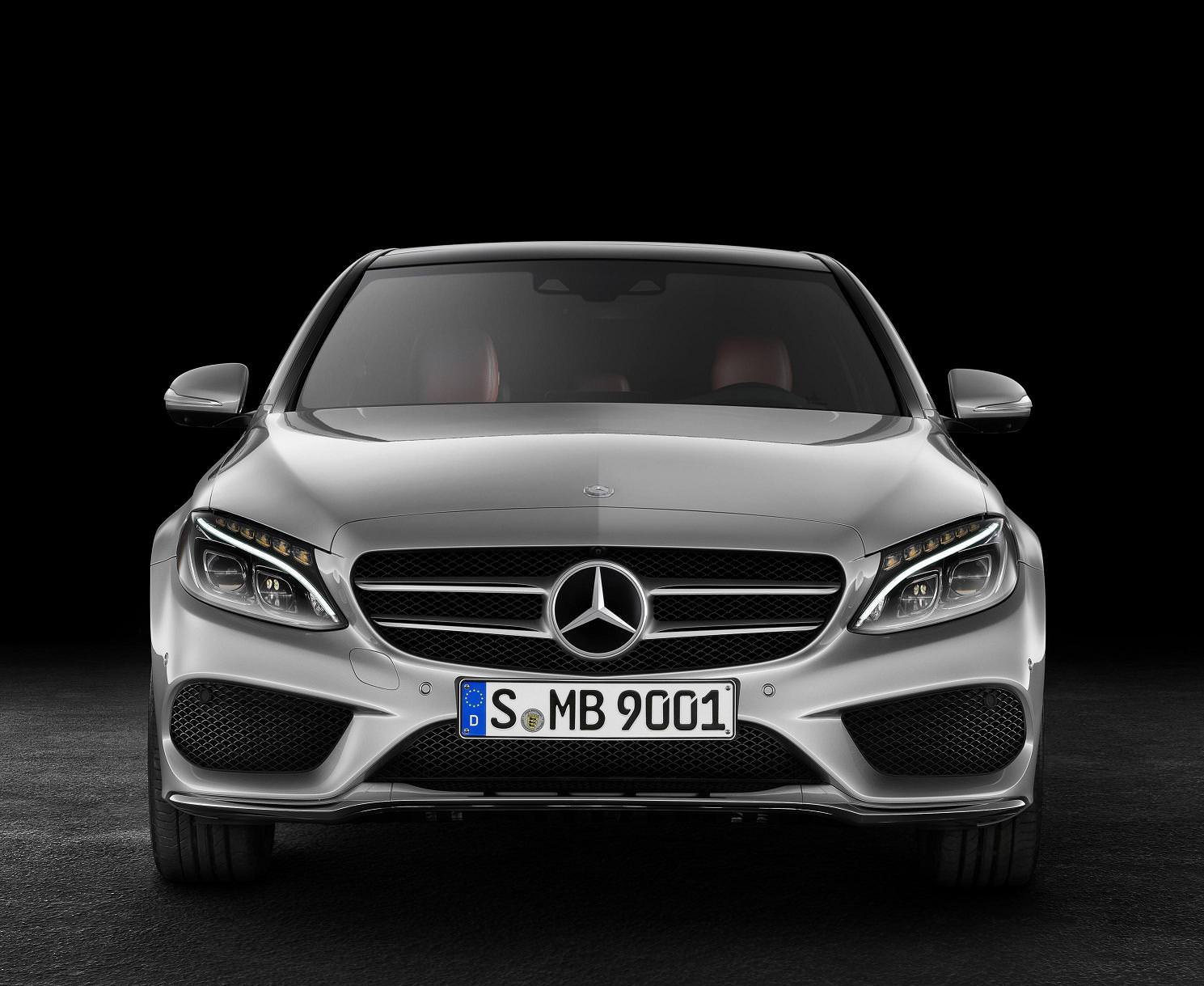 Noua Clasă C: Mercedes-Benz la superlativ