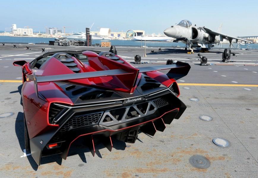 Lamborghini Veneno Roadster, un prototip de curse cu performante uluitoare