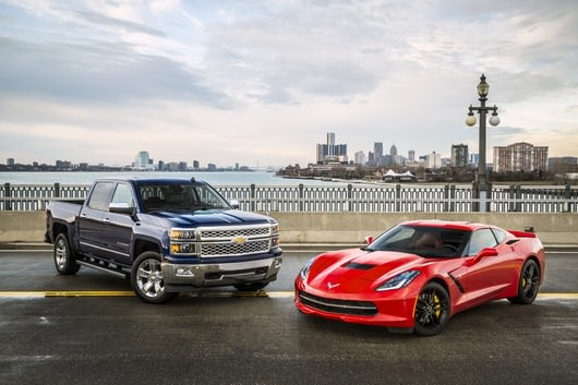 Chevrolet Corvette Stingray si Silverado 1500 premiate la salonul auto de la Detroit