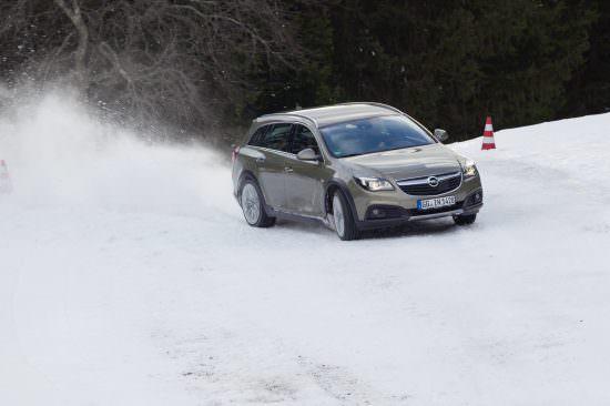 Vedeta Winter Corporate Games 2014, sistemul 4×4 de la Opel