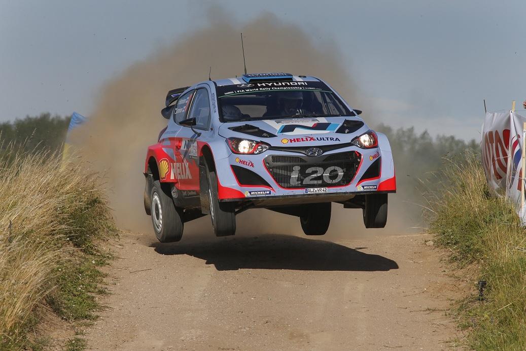 Echipa Hyundai Shell World Rally a avut un start bun in Polonia