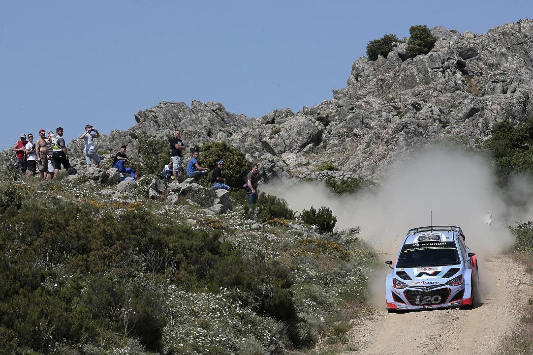 Echipa Hyundai Shell World Rally la startul Raliului Poloniei
