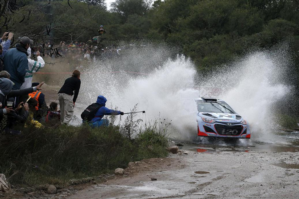 Raliul Sardiniei: Echipa Hyundai Shell World Rally va concura cu trei unitati