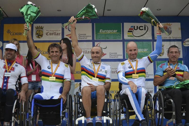 Ambasadorul mărcii BMW, Alessandro Zanardi, a câştigat ultima etapă a sezonului din Cupa Mondială de Paraciclism