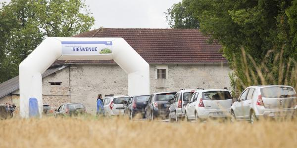 Aproape 14.000 de fani la picnicul Dacia 2014 din Franta