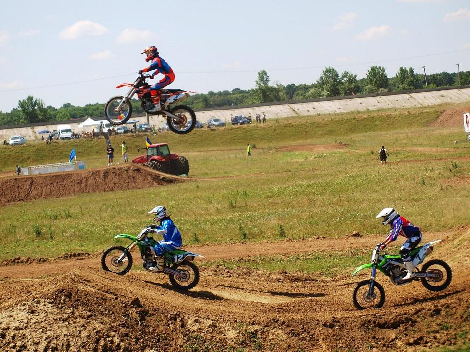 Motocross CUP : etapa de pe circuitul Corsarul Rosu a fost una absolut memorabila