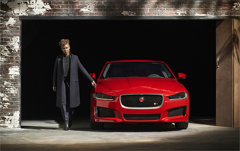 "Jaguar a lansat campania ""FEEL XE"""