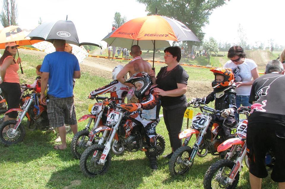 În culisele Motocross Cup, despre doamnele cu suflet mare şi puternic