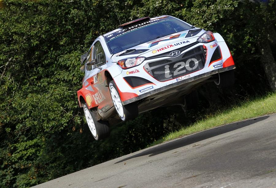 Raliul Germaniei, echipa Hyundai Shell World Rally aproape de un loc pe podium