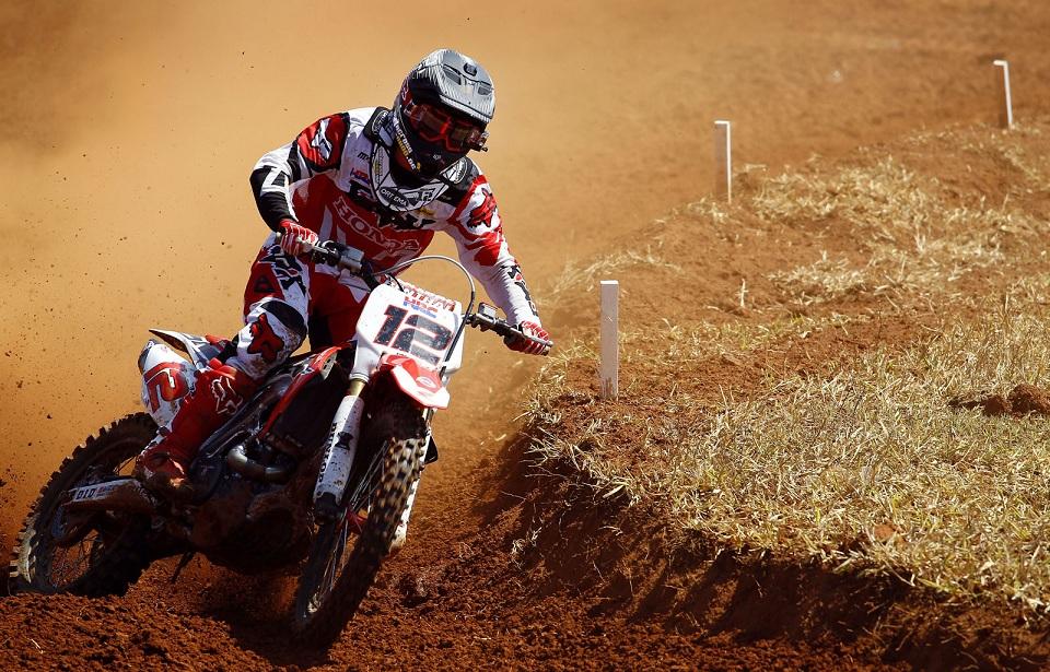 Echipele Dunlop își adjudecă victoria în MXGP și obțin dublu podium
