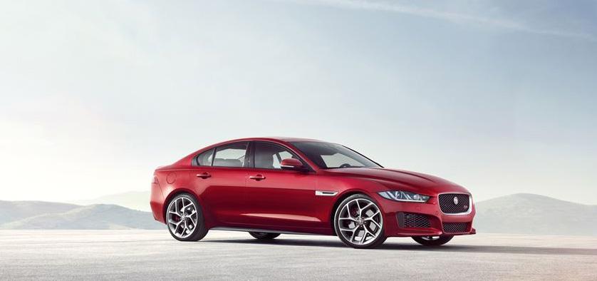 Modelul Jaguar XE dezvăluit în premieră mondială