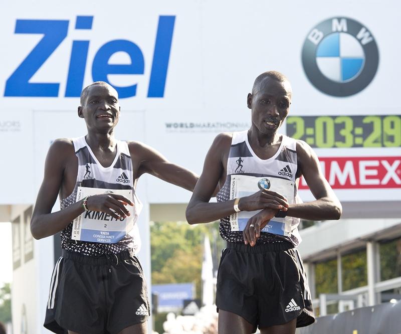 Dennis Kimetto a câştigat a 41-a ediţie a Maratonului BMW