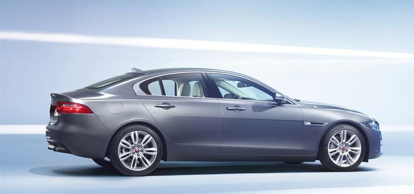 XE, cel mai nou model Jaguar, a fost prezentat la Paris