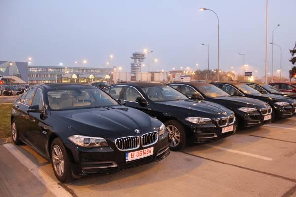 O flotă de BMW Seria 5 deschide colaborarea Autonom cu BMW