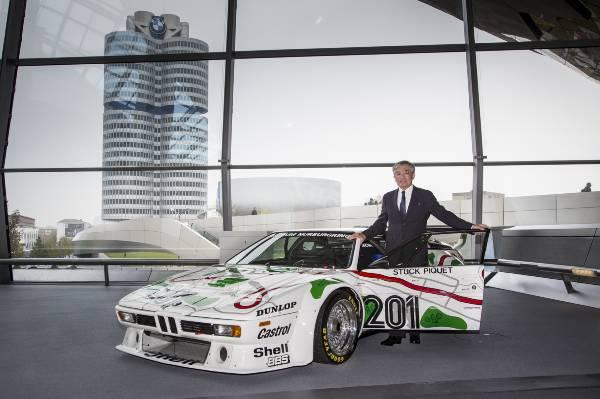 O spectaculoasă maşină de curse clasică a fost predată la BMW Welt