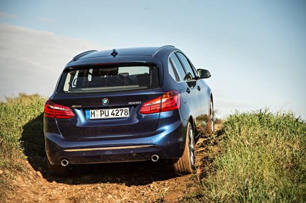 Premieră: BMW xDrive completează conceptul de tracţiune faţă
