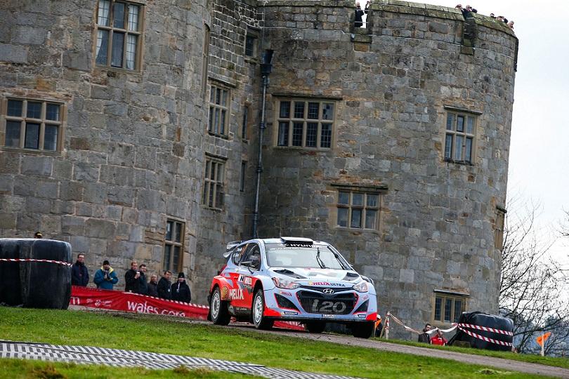 Echipa Hyundai Shell World Rally si-a imbunatatit performantele in ziua a doua din Raliul Marii Britanii