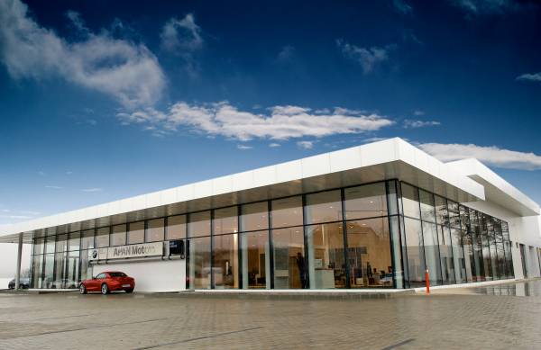 APAN Motors inaugurează la Iaşi un centru auto complet pentru mărcile BMW şi BMW Motorrad