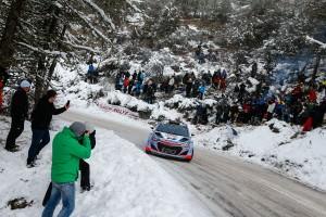 Thierry Neuville (#7 Hyundai i20 WRC) - RAliul Monte-Carlo 2015