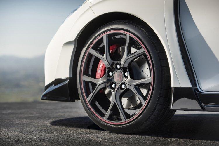 Geneva 2015:  Noul Civic Type R va fi prezentat oficial în culoarea Championship White