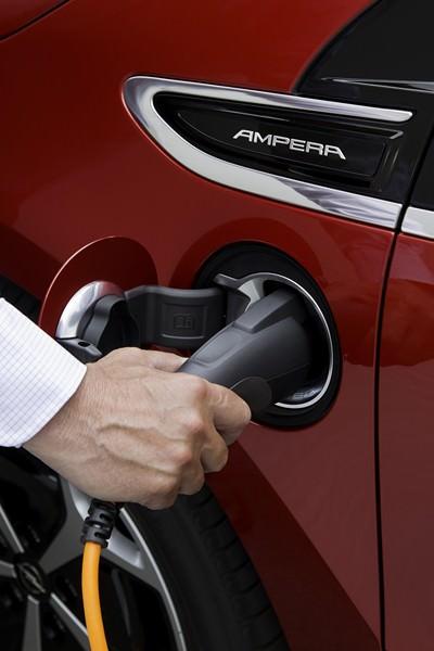 """Autoturismele """"verzi"""" în 2014 și mecanisme de stimulare a pieței"""