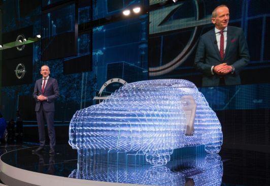 Premieră europeană: Opel OnStar va stabili noi standarde în materie de siguranţa autovehiculelor şi conectivitate