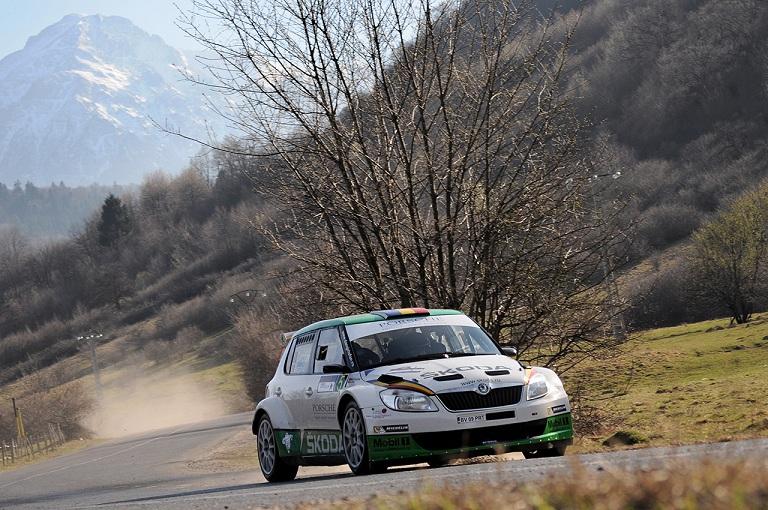 52 de echipaje vor face spectacol la Tess Rally 44