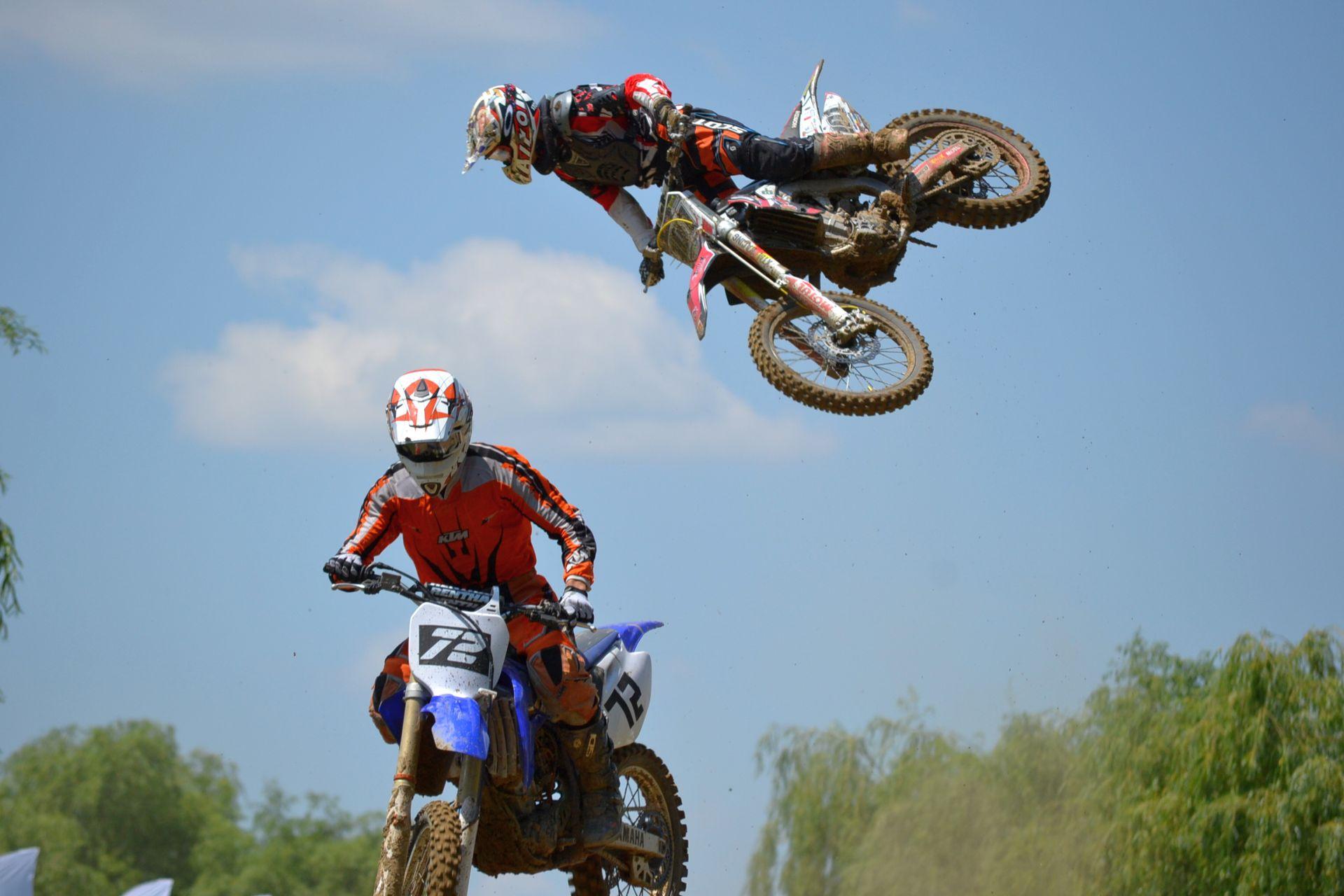 Motocross CUP, etapa II: motocrosistii au sarit valuri la Ciolpani!