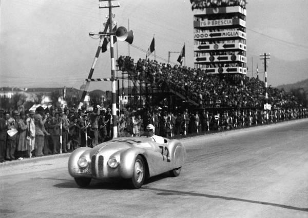BMW 328, eroii pierduţi – o istorie a pasiunii pentru viteză
