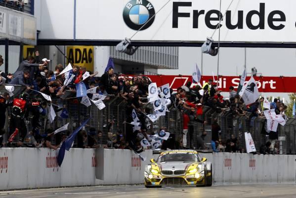 Cursa 24h Nürburgring – BMW pe locul al doilea, la 40 de secunde de victorie
