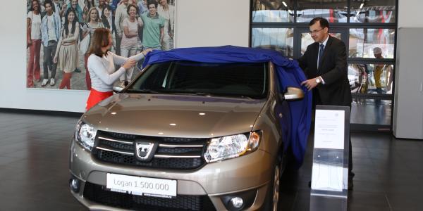 O clienta din Romania posesoarea Daciei Logan cu numărul 1 500 000