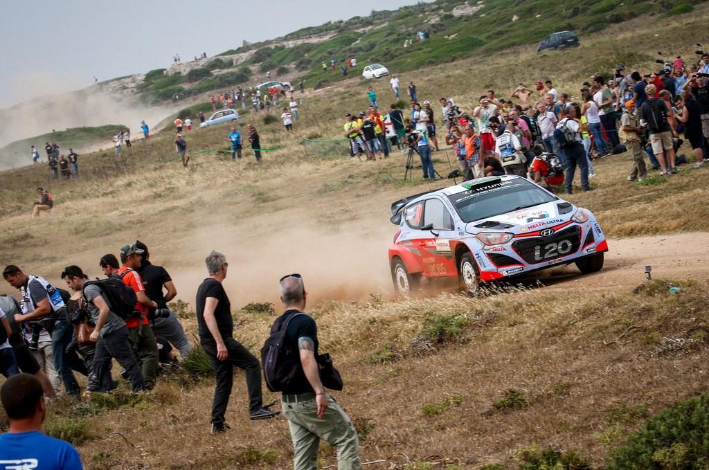 Echipa Hyundai Motorsport este lidera dupa prima zi in Raliul Sardiniei